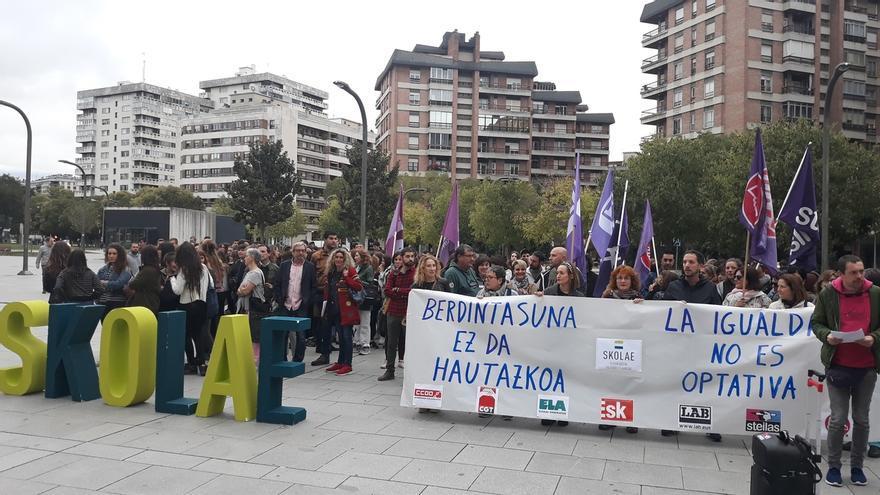 Sindicatos apoyan Skolae y a los profesionales que lo redactaron que esta mañana han vuelto a declarar ante el TSJN