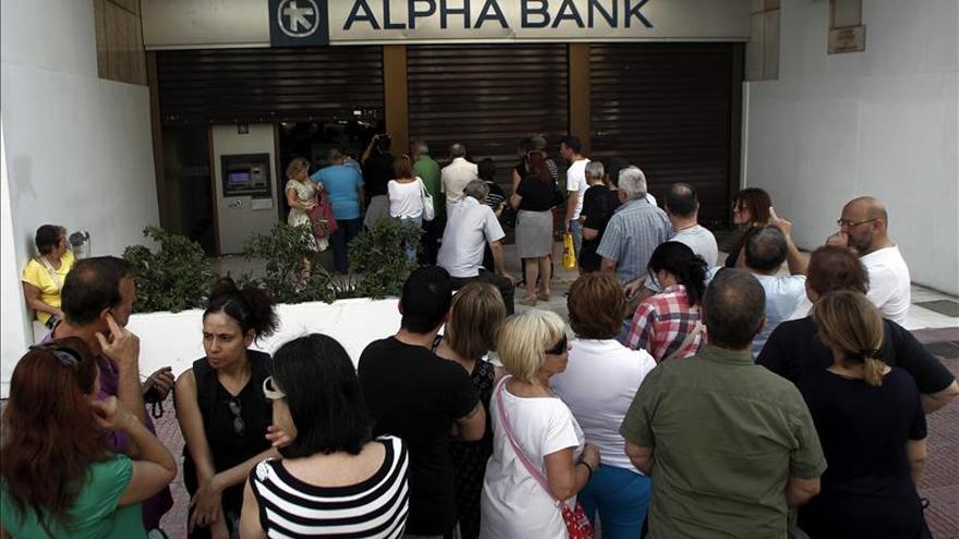 Gobierno:bancos cerrarán hasta 6 julio y sólo se podrá sacar 60 euros diarios