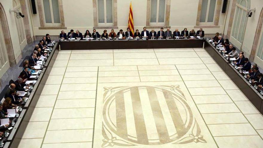 Puigdemont y Colau se unen para hacer campaña por un referéndum pactado
