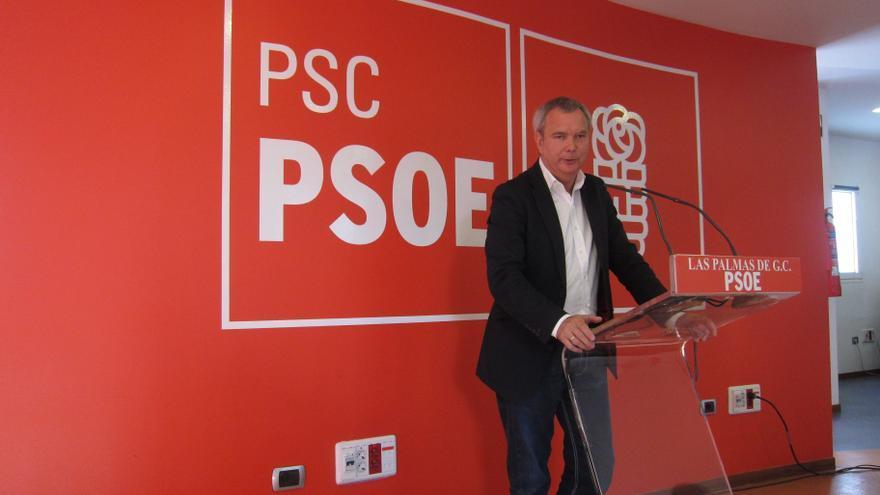 El diputado socialista Sebastián Franquis anuncia que dejará su acta de concejal en Las Palmas de Gran Canaria
