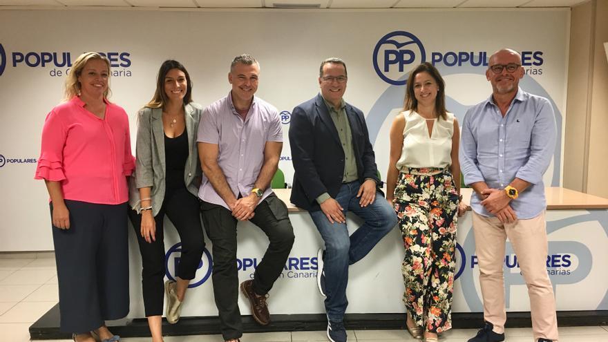 Nuevo equipo del PP en Gran Canaria, con Poli Suárez al frente.