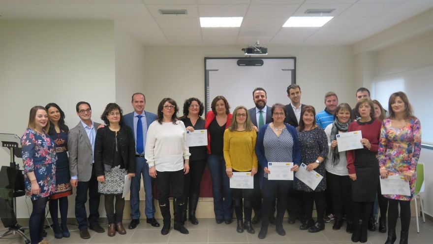 La consejera de Empleo visita dos talleres de Azuqueca de Henares / JCCM