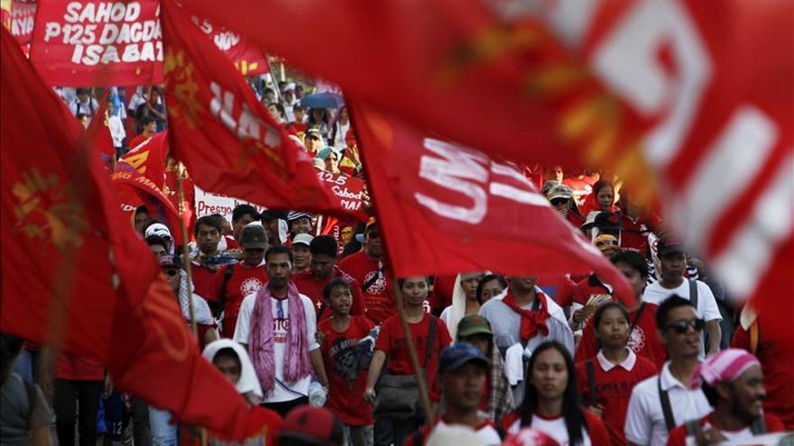 Cientos de miles de trabajadores reivindican los derechos laborales y el empleo