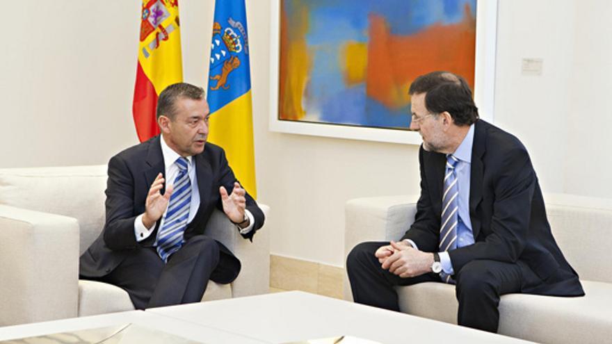 Mariano Rajoy y Paulino Rivero durante una reunión de trabajo. EFE