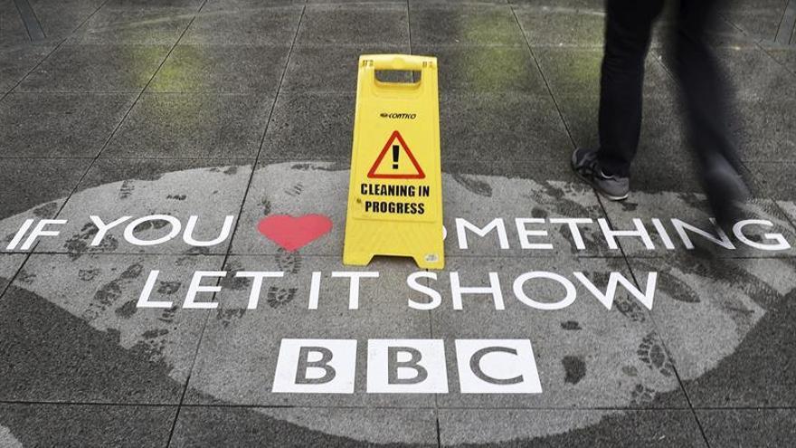 La BBC hará publico el nombre de presentadores que ganen más de 170.000 euros