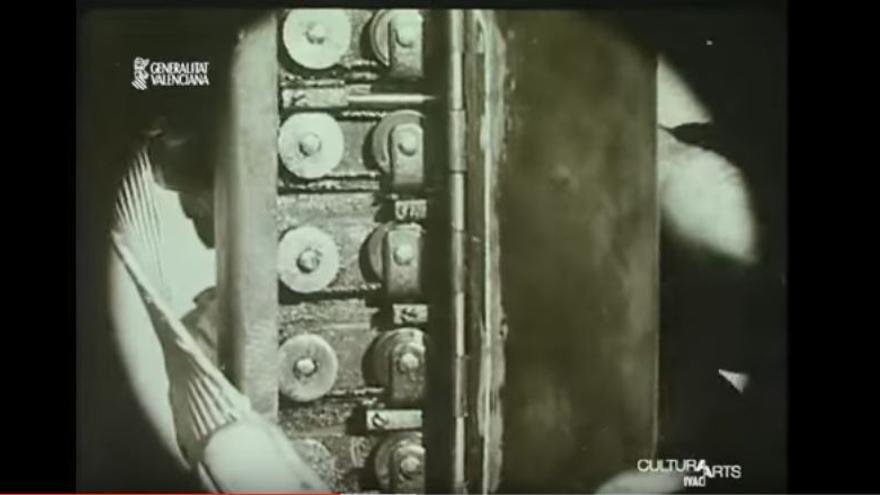 Los pistones de los instrumentos musicales sirvieron de inspiración para las creaciones de Sanz