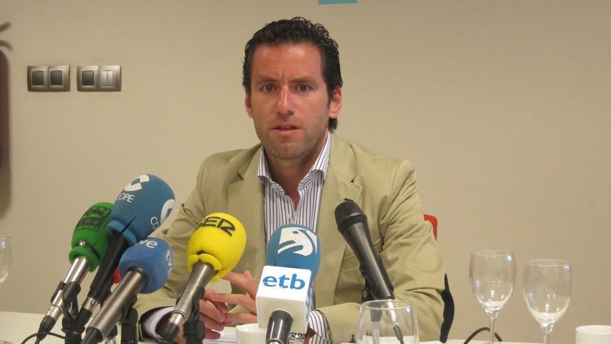 """Sémper dice que Rajoy no tendrá """"reacciones de aspavientos"""" ante situaciones """"estrambóticas"""" con la de Cataluña el 9N"""
