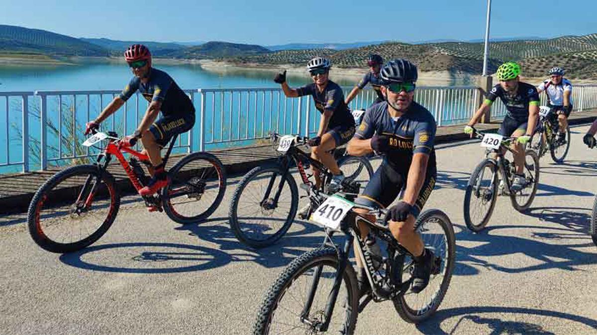 Ciclistas, en la tercera marcha KDD Landbike de Baena