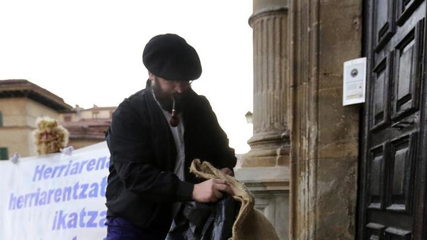 El Arzobispado de Pamplona recibe carbón por las inmatriculaciones de la Iglesia