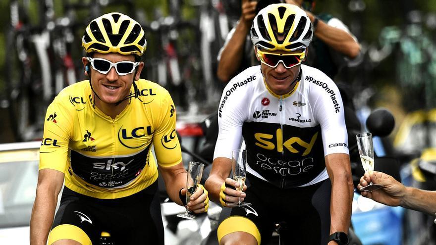 A la izquierda el ganador de la competición Geraint Thomas, junto a Christopher Froome