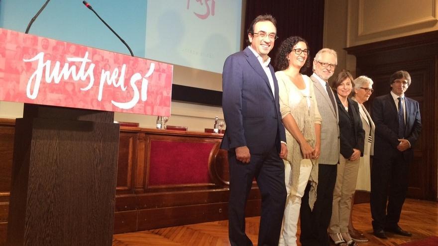 """Junts pel sí presenta su hoja de ruta a la independencia """"para que Cataluña sobreviva"""""""