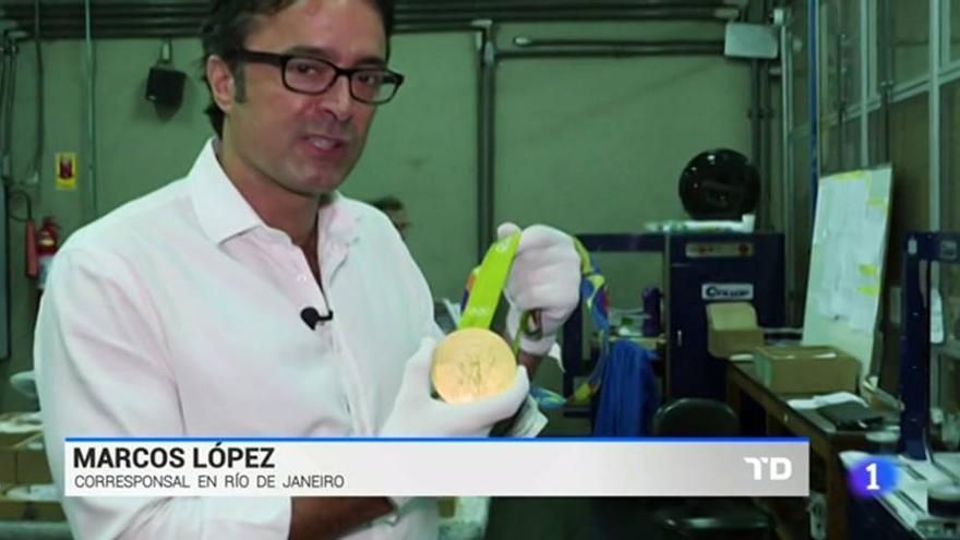 ¿Sabías que está prohibido para los periodistas colgarse una medalla olímpica en sus reportajes?