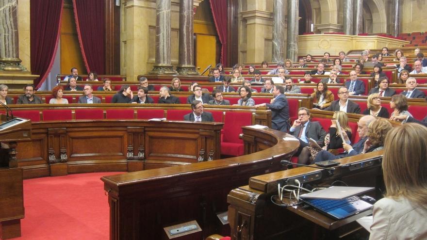La oposición examina en el Parlament la 'hoja de ruta' soberanista de Mas