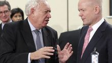"""Hague y Margallo apoyan una """"solución diplomática"""" para Gibraltar"""