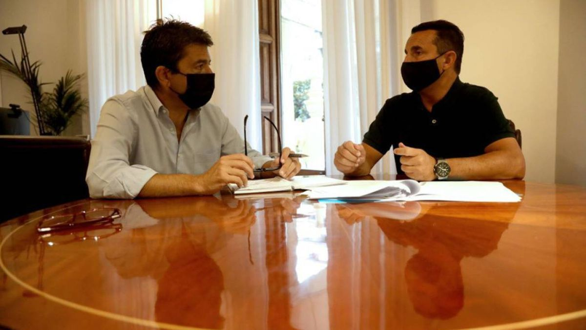 El presidente de la Diputación de Alicante, Carlos Mazón, y el diputado provincial del PP Bernabé Cano.