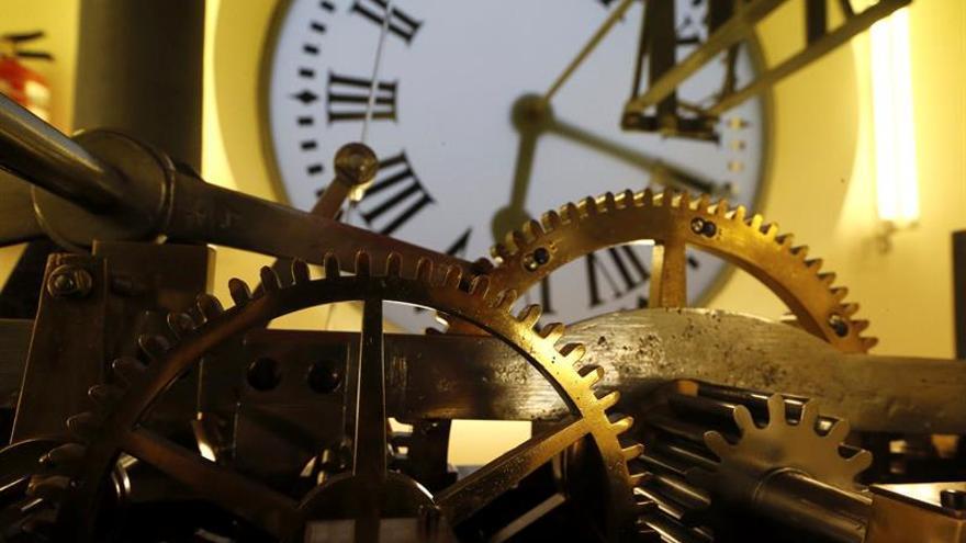 """El reloj de Sol, listo para las """"preuvas"""" de mañana y para """"las uvas"""" del 31"""