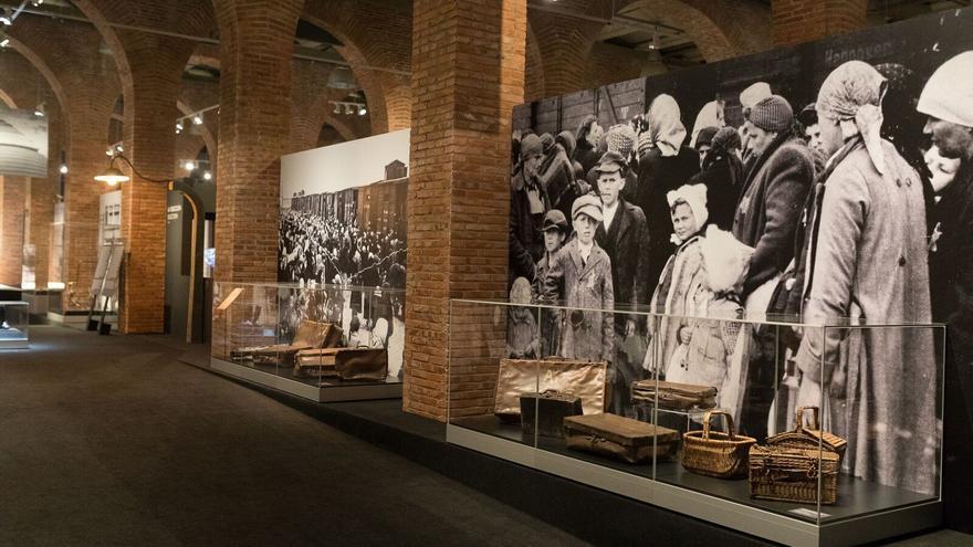 Vista de la exposición 'Auschwitz No hace mucho, no muy lejos'