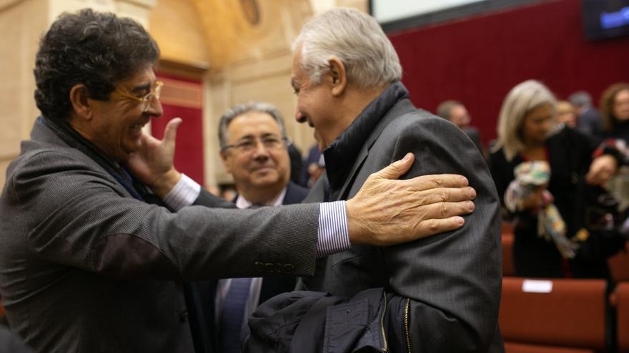 """Arenas subraya que es un día """"histórico"""" y se ofrece a Moreno para aportar """"modestamente"""" cuando se lo pida"""