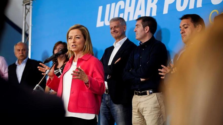 Ana Oramas, durante el acto de cierre de campaña de las elecciones generales del 20D. EFE/Ramón de la Rocha
