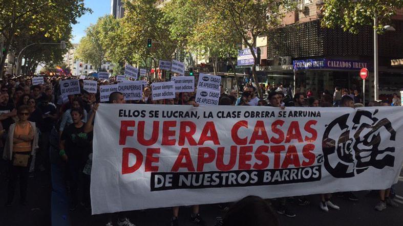 Cabecera de la manifestación contra las casas de apuestas en Madrid