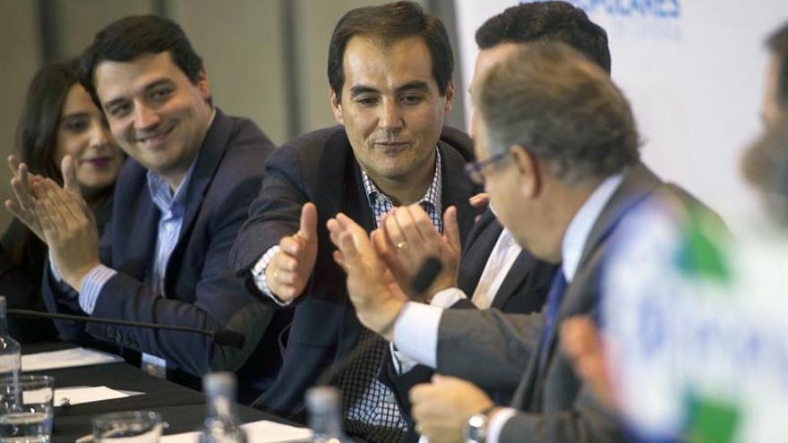 """Nieto resalta el """"altísimo nivel"""" de funcionarios que defienden la seguridad"""