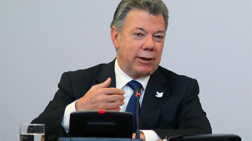 """Santos afirma que el 1 de junio es el """"Día D"""" para que las FARC dejen las armas"""