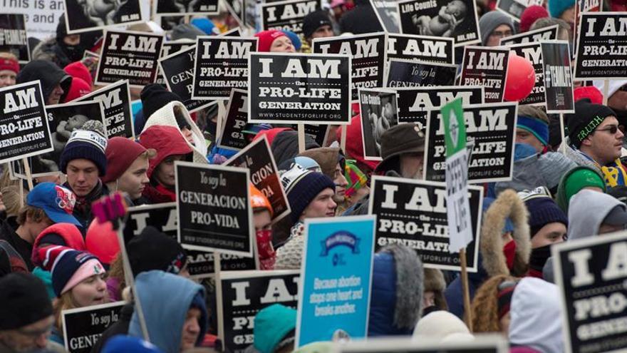Miles de manifestantes desfilan por Berlín contra el aborto y la eutanasia