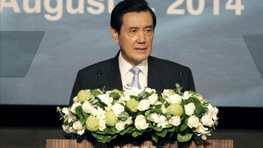 Presidente Taiwán ileso tras colisionar vehículo contra perímetro residencia