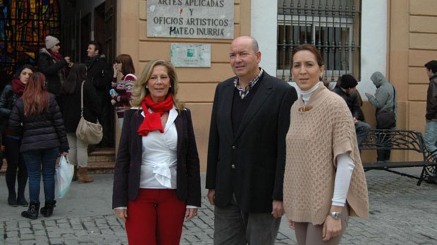 Visita de cargos del PP a la Escuela Mateo Inurria.