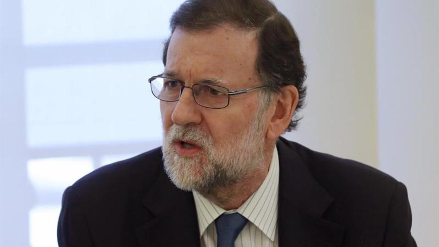 """Rajoy garantiza no caer en la """"autocomplacencia"""" ante buenos datos de empleo"""