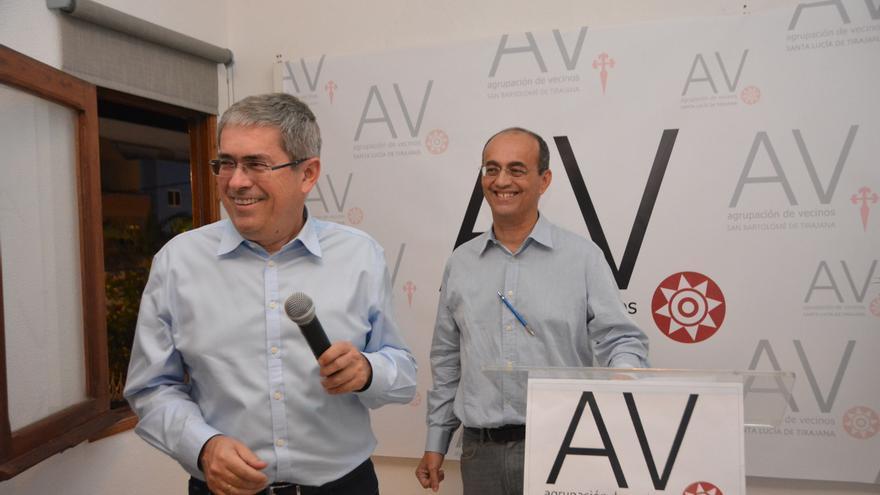 Marco Aurelio Pérez y Manuel Hernández Pérez presentan la sede de Agrupación de Vecinos-SLT