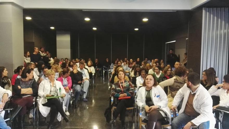 Reunión de los altos cargos del Gobierno valenciano con los trabajadores del hospital de Dénia (Marina Salud).