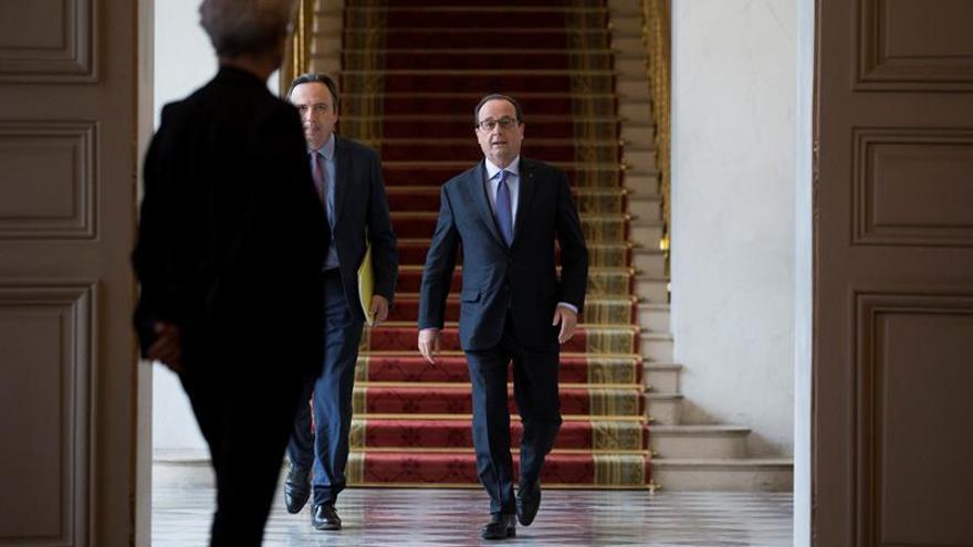 """Hollande: """"El avión de Egyptair se ha estrellado y se ha perdido"""""""