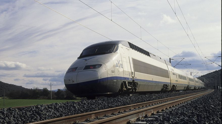 Los trenes Chárter de Renfe permiten, entre otras cosas, personalizar el vehículo con la imagen corporativa de organizador.