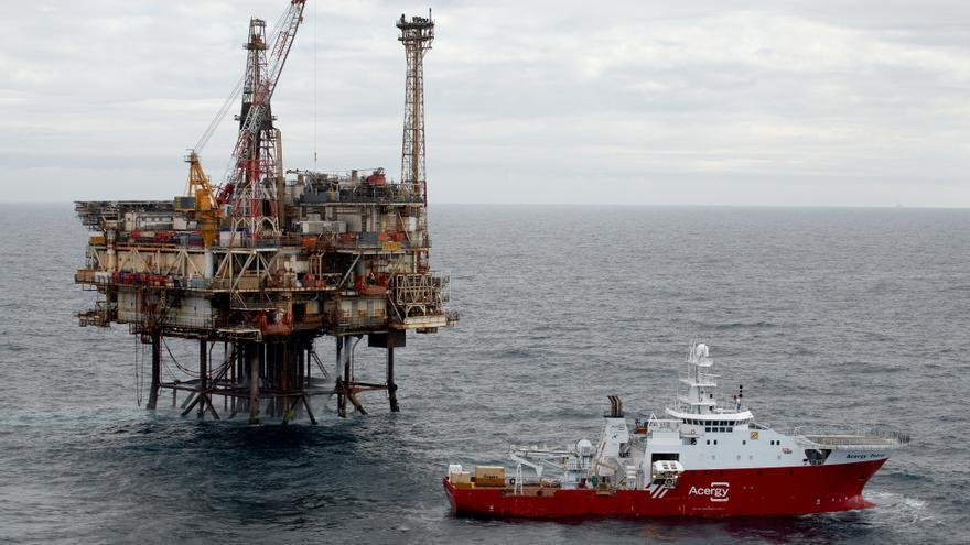 Plataforma petrolera de la multinacional Apache en el Mar del Norte