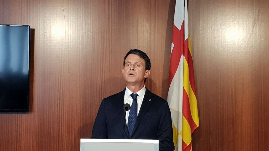 El líder de la plataforma BCN pel Canvi, Manuel Valls, durante su primera rueda de prensa como concejal en el Ayuntamiento