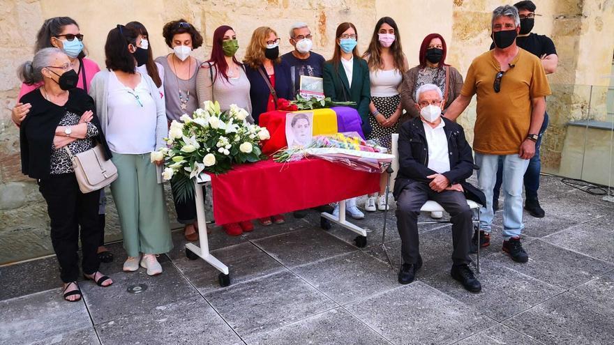 Entrega de los restos de Ramón Haro, preso republicano asesinado en 1936, a sus familiares