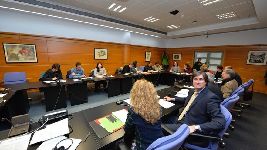 El viceconsejero Andrés Zearreta, en la reunión de la Mesa general