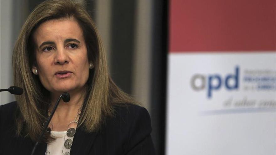 Báñez dice que el Plan de activación del empleo ni discrimina ni invade competencias