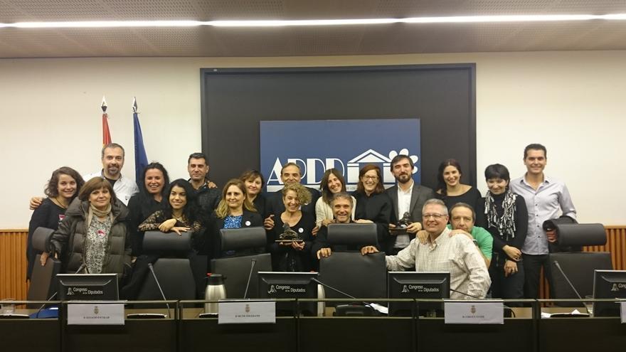 Miembros de AVATMA, El caballo de Nietzsche y eldiario.es, premiados por la APDDA.