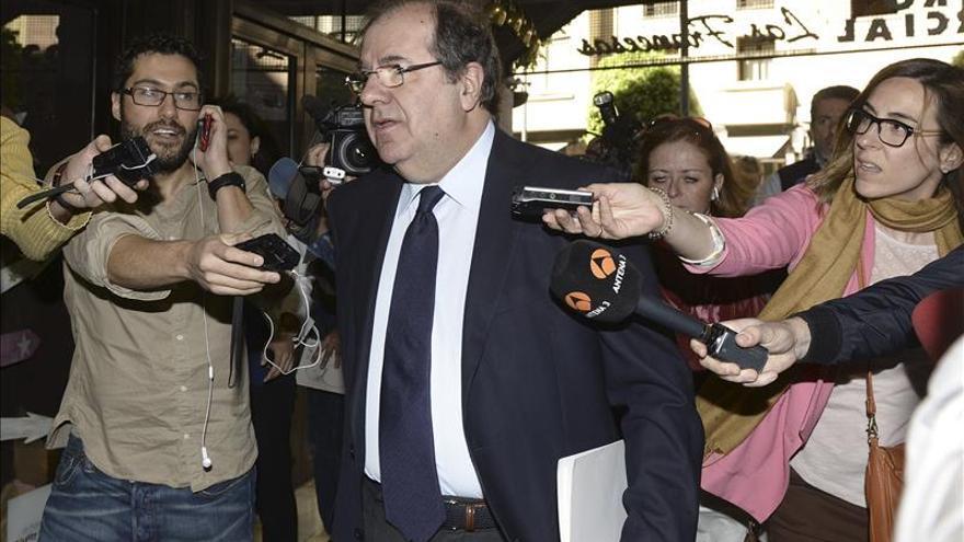 Herrera no desvela si será candidato, pero se mantiene como presidente del PP
