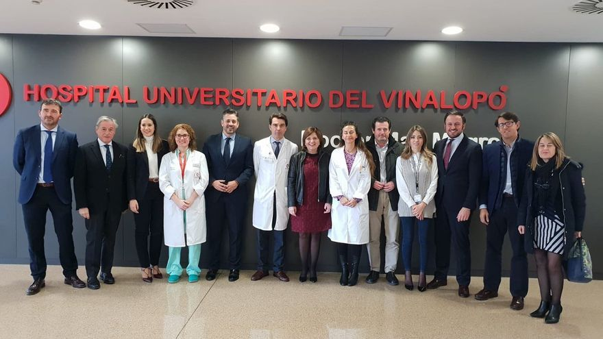 Isabel Bonig ha visitado el Hospital del Vinalopó, de gestión privada