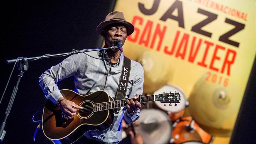 Keb' Mo' hizo bailar al público con su blues moderno en XIX edición S. Javier