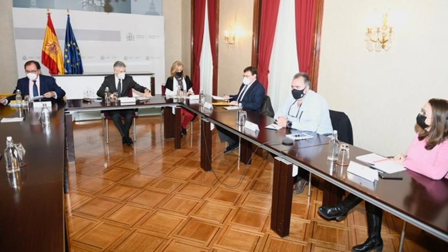 Los sindicato de prisiones se reúnen con el ministro del Interior, Fernando Grande-Marlaska, para impulsar la nueva Ley de Cuerpos