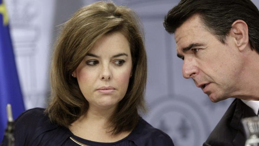 Soraya Saénz de Santamaría, junto a José Manuel Soria.