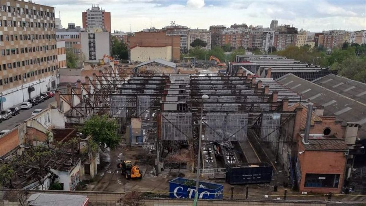 Demolición de las Cocheras de Cuatro Caminos, en su zona histórica