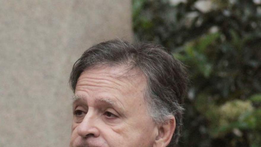 El senador de Vox acusado de violencia machista quiere recuperar su escaño