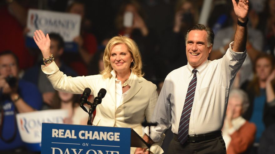 """Romney insiste que es el """"cambio real"""" y critica el ineficaz gobierno de Obama"""