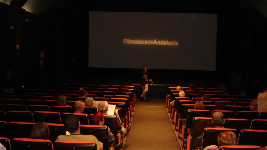 Actividades y proyección de película de la asociación Cine Cercano en la Filmoteca de Andalucía.