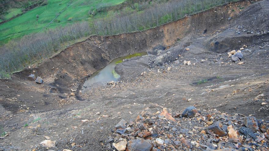 Parte de la explotación minera ilegal 'El Feixolín', en Villablino (León).